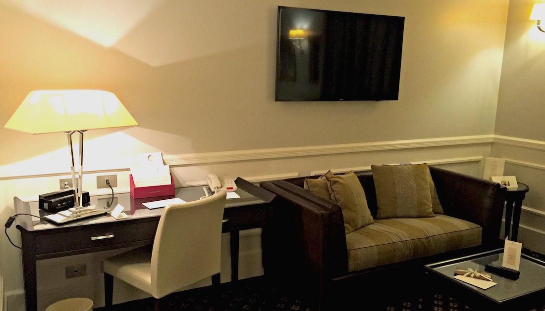 blogging workspace in hotel