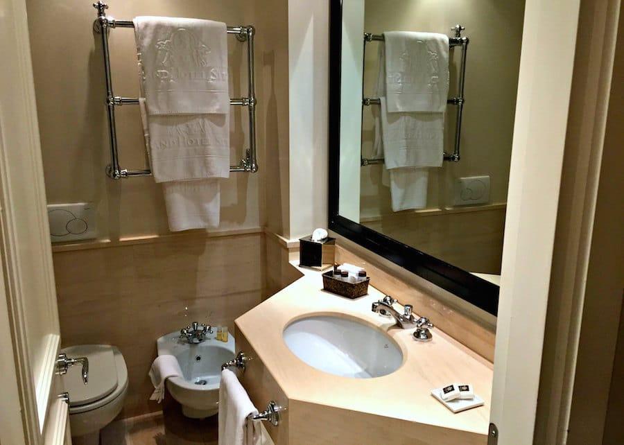img_3944-grand-hotel-sitea-bathroom